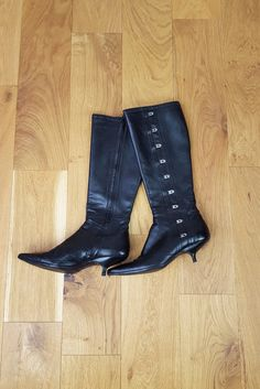 ALEXANDER MCQUEEN Knee High Leather Kitten Heel Boots (39)