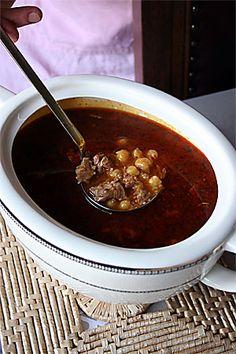 Nohutlu_bulgur_corbasi Chocolate Trifle, Chocolate Fondue, Iftar, Turkish Recipes, Ethnic Recipes, Turkish Kitchen, Middle Eastern Recipes, Chili, Meals