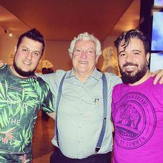 """Claytrix e o Maestro escultor Marco Aurélio Guimarães na abertura da sua exposição """"Prazer e Morte"""" na casa Fiat de Cultura em BH."""