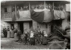 Exposición Vestidos de asturianos.La perdida de la indumentaria tradicional.