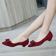 - Stylish bow low heels - Perfect for any office function or friendly gathering - Made from PU - Available in 3 colors Pretty Shoes, Beautiful Shoes, Cute Shoes, Me Too Shoes, Short Heels, Low Heels, Spike Heels, Casual Shoes, Shoe Boots