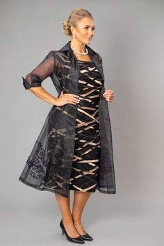 Plus Size Mother of the Bride / Groom Dresses and Two Piece outfits The Black + Gold Ribbon Dress and Organza Coat - a classic outfit for the modern and elegant mother of the bride and mother of the groom who is looking for a dress or jacket with sleeves. Winter Wedding Outfits, Wedding Outfits For Groom, Fall Wedding Dresses, Formal Wedding, Autumn Wedding, Mother Of The Bride Dresses Long, Mother Of Bride Outfits, Wedding Dresses Plus Size, Mother Of The Bride Plus Size