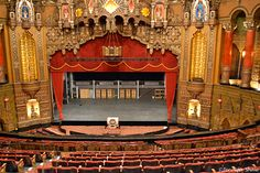St. Louis FOX Theatre......Got to try this WurliTzer out!!!!