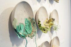 bethany walker et ruth singer / interlace 2016 Art Fibres Textiles, Textile Fiber Art, Textile Artists, Journal D'inspiration, Street Art, Collaborative Art, Islamic Calligraphy, Selling Art, Wire Art