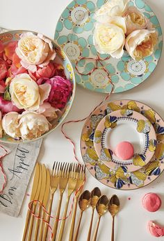 So in <3 with the Clivedon Dinnerware collection from @anthropologie ...perfect item to add on your registry :)