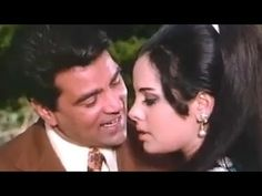 he song describes the current climatic situation, it really makes everyone get romantic & #Dharmendra & #Mumtaz just complete the song