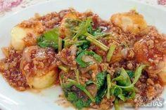 Receita de Nhoque de carne moída com molho à bolonhesa em receitas de massas, veja essa e outras receitas aqui!
