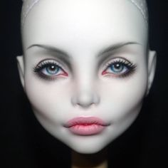 Doll repaint tutorial monster high faces 63 Ideas for 2019 Custom Monster High Dolls, Monster High Repaint, Custom Dolls, Doll Repaint Tutorial, Bjd, Doll Face Makeup, Human Doll, Marionette, Doll Painting
