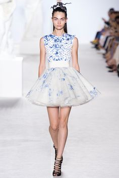 Giambattista Valli Fall 2013 Couture - Review - Fashion Week - Runway, Fashion Shows and Collections - Vogue