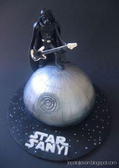 This Star Wars Cake Rocks!