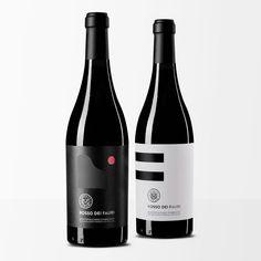 Etiketten trennen gute Produkte von schlechten. Sehen Sie sich 10 kreative Label-Design-Beispiele, für Spirituosen, in unserer kleinen Sammlung an. https://www.popwebdesign.de #etikettendesign #grafikdesign #labeldesign #spirituosen
