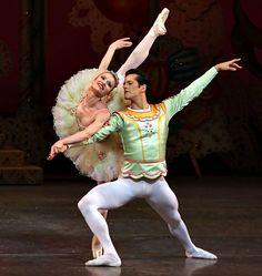"Lauren King as the Sugar Plum Fairy in ""George Balanchine's 'The Nutcracker,' With Robert Fairchild. Male Ballet Dancers, Ballet Boys, Ballet Tutu, Dance Ballet, George Balanchine, Sugar Plum Fairy, Pretty Ballerinas, Dance Tights, Ballet Photos"