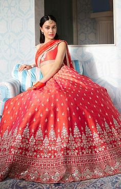 Traditional Indian Clothes - Buy Festive Attire Traditional Indian Dress Online - Anita Dongre Source by clothes indian Lehenga Designs, Bridal Lehenga, Lehenga Choli, Indian Lehenga, Jaipur, Indian Dresses Online, Dress Online, Indian Bridal Outfits, Indian Designer Wear