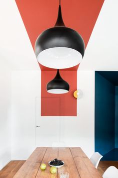 Francesca Melchiorre and Alessio Lamarca use primary colours in this apartment in Turin Bühnen Design, Wall Design, House Design, Room Colors, House Colors, Colour Blocking Interior, Interior Walls, Interior Design, Wall Decor
