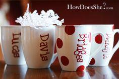 Decorating Dollar Store Mugs... everyones Chrismas gift! holiday-christmas