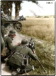 Wehrmacht troops accompanied by a Panzer Division take aim with an machine gun whilst the Blitzkrieg into Poland is in full swing. Ww2 Pictures, Ww2 Photos, Historical Pictures, German Soldiers Ww2, German Army, Military Art, Military History, Mg34, Colors