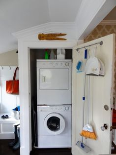 15 Huge Hampers For Super-Size Laundry Days | Apartment Therapy
