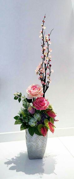 59 ideas flowers arrangements orchids ikebana for 2019 Small Flower Arrangements, Artificial Flower Arrangements, Vase Arrangements, Flower Vases, Artificial Flowers, Ikebana, Deco Floral, Arte Floral, Amazing Flowers