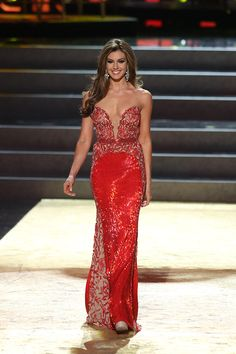 Beautiful Miss Universe dresses: Miss USA