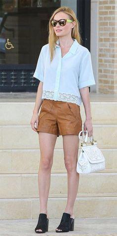 b9b053727 Veja essas dicas e perca o medo de usar roupas de couro no Verão. Elas  ficam super estilosas se usar em mix de texturas. Vem aprender!