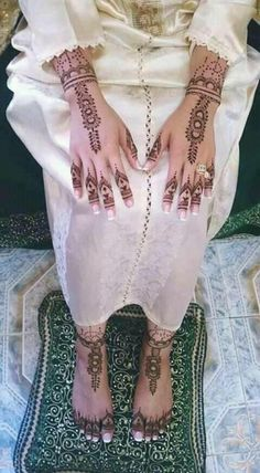 Morrocan Dress, Kaftan Moroccan, Indian Wedding Gowns, Moroccan Wedding, Afghan Clothes, Afghan Dresses, Pakistani Mehndi, Henna Mehndi, Afghan Wedding