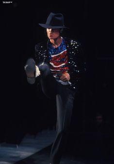The Jackson Five, Jackson Family, Mike Jackson, Michael Jackson Pics, King Of Music, The Jacksons, American Singers, Record Producer, Music Artists
