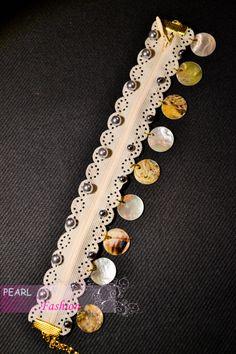 bracelet zip avec perles et sequin en nacre / zip bracelet with pearls and mother-of-pearl sequin
