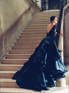 black + white wedding inspiration | wedding gown | Sareh Nouri | Mona Lisa | via: anna-be.com