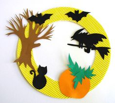 Halloween window decoration, a decoration for Halloween Halloween Fotos, Fröhliches Halloween, Adornos Halloween, Manualidades Halloween, Halloween Party Games, Halloween Decorations For Kids, Hallowen Ideas, Imprimibles Halloween, Mascaras Halloween