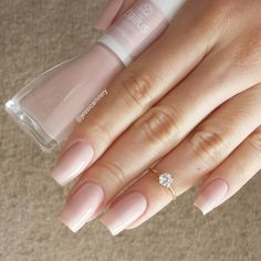 Want some ideas for wedding nail polish designs? This article is a collection of our favorite nail polish designs for your special day. Perfect Nails, Gorgeous Nails, Pretty Nails, Nude Nails, Pink Nails, Wedding Nail Polish, Uñas Fashion, Nail Ring, Manicure E Pedicure
