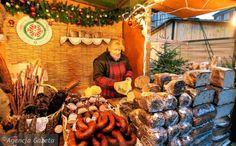 Jarmark Bożonarodzeniowy na Barbakanie w Warszawie