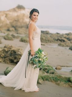 Photography: Carolly Photography - www.carollyphoto.com  Read More: http://www.stylemepretty.com/california-weddings/2015/05/18/elegant-california-seaside-wedding-inspiration/