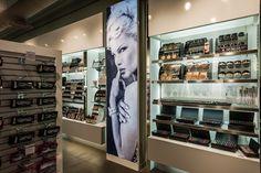 Mostrador maquillaje | Reforma Beautik Sants | Cristina Arnedo y Standal #standal #reformas #tiendas #retail  #locales #interior #design #comercial