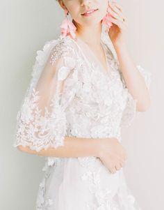 Illusion sleeve wedding dress | Photography: Sally Pinera