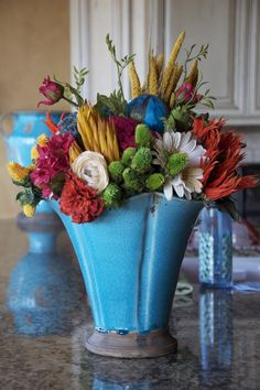 Wish I could find flower arrangements like this at the store.