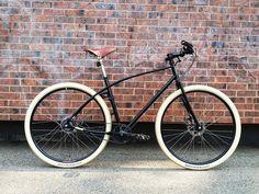 3 Honey Steel Bicycle by Budnitz Build A Bike, Retro Bicycle, Push Bikes, Urban Bike, Bike Rider, Street Bikes, Bike Design, Vintage Bicycles, My Ride