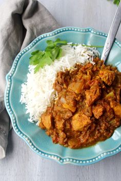 Bursting with spicy flavour, this Sweet & Sour Cape Malay Chicken Curry with sweet potatoes is very easy to make and packed with healthy goodness. Healthy Meats, Healthy Dishes, Healthy Recipes, Meat Recipes For Dinner, Indian Food Recipes, Ethnic Recipes, African Recipes, Sweet Curry Recipe, Curry Recipes