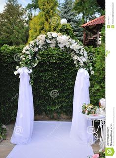 Trendy wedding arch with lights receptions Wedding Ceremony Arch, Wedding Arches, Wedding Backdrops, Ceremony Decorations, Simple Weddings, Rustic Wedding, Trendy Wedding, Gold Wedding, White Flowers