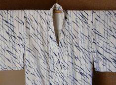 BO-MURAKUMO AND KIKAI SUJI SHIBORI YUKATA ・ 棒叢雲、機械筋絞り浴衣 Shibori, Japanese Fabric, How To Dry Basil, Simple, Indigo, Ethnic, Bedroom, Clothing, House