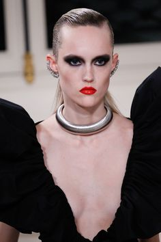 See the complete YSL Haute Couture facing coming out Fall 2016 collection