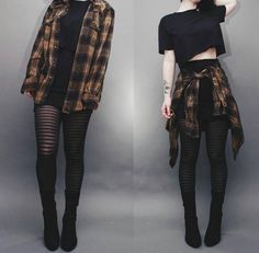 Ways to Wear Chic Grunge Outfits in Spring Grunge fashion is based on the grunge music scene. Grunge outfits are mostly comfortable, dirty, torn, checkered and heavily infused with flannel – Look Fashion, Fashion Clothes, Korean Fashion, Street Fashion, Fashion Outfits, Nu Goth Fashion, Feminine Fashion, Fall Fashion, Fasion