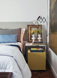 bedside table styling #decor
