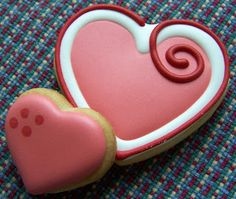 Oven Lovin Cakes and Cookies - Valentine's Day decorated hearts sugar cookies. Oven Lovin Cakes and Cookies - Valentine's Day decorated hearts sugar cookies. Cookies Cupcake, Fancy Cookies, Heart Cookies, Iced Cookies, Cute Cookies, Cookies Et Biscuits, Cookie Favors, Flower Cookies, Valentine's Day Sugar Cookies