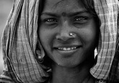 caras mujeres sonrientes - Buscar con Google