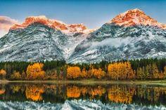 """Les Rocheuses canadiennes devraient être sur la """"bucket list"""" de tous randonneurs qui se respectent.... - Scott Bennie / 123RF"""