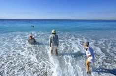 Baignade en famille à Nice #Nice #beach #Frenchriviera #Cotedazur