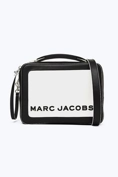 Meet the one-of-the-kind Box Bag from Marc Jacobs. Inspired from the vintage lunchbox, Shop the Box Bag Collection. Cute Sunglasses, Sunglasses Accessories, Bag Accessories, New Handbags, Leather Handbags, Shop The Box, Large Wallet, Box Bag, Marc Jacobs Bag