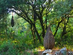 Deep in the woods of southern France, artist Spencer Byles transformed the forest into a mysterious wonderland through a series of spectacular, organic sculptures. Surrounded by flora and fauna, the sculptor used only cables and natural, found materials [...]  many people come across his sculptures by chance in the woods [...] the viewer may question whether the mysterious installations were formed naturally, assembled by human hands, or left in the forest by supernatural forces.