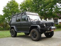 Good looking matte black ORC Mercedes Benz Classes, Mercedes G Wagon, Bug Out Vehicle, Suv Cars, Expedition Vehicle, Cool Trucks, Motor Car, Custom Cars, Suv Vehicles