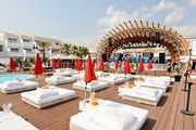 See all the events taking place at the best beach club in the world. The best DJs in the world right now are all at Ushuaïa Ibiza. Ibiza Clubs, Day Club, Ushuaia, Beach Bars, Beach Hotels, Beach Club, Hotel Ibiza, Building, Travel